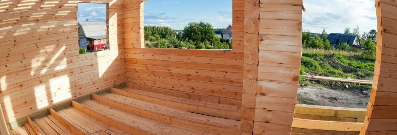Quelles différences entre un couvreur et un charpentier ?