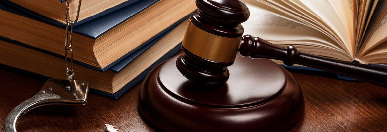 Un avocat spécialisé dans le droit pénal